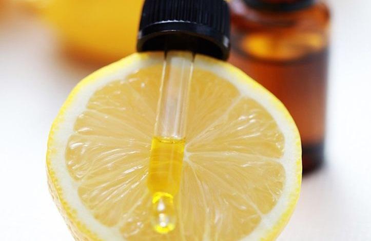 اسانس طبیعی لیمو